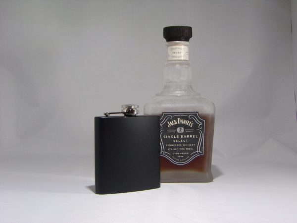 100 0464 scaled 600x450 - Custom Engraved stainless Steel Black Flask