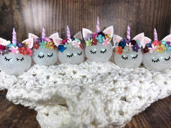 Unicorn02 600x450 - Customizable Unicorn Ornament